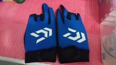 Daiwa glove