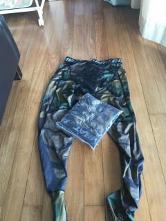 2 x Camo tights/leggings for 40 dollars