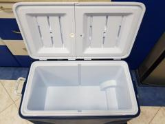 Rubbermaid cooler box with wheels 100Qt