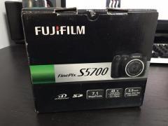 FujiFilm FInePixS5700