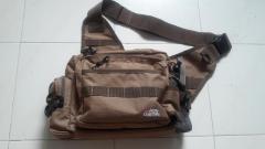 Abu luring sling bag
