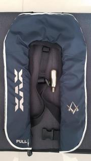 Daiwa self inflating life vest