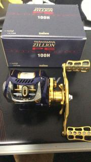 Daiwa Zillion PE Special Baitcasting Reel with 110mm gold swept handle and knobs