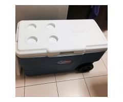 Coleman Icebox (w wheels and drainage system)