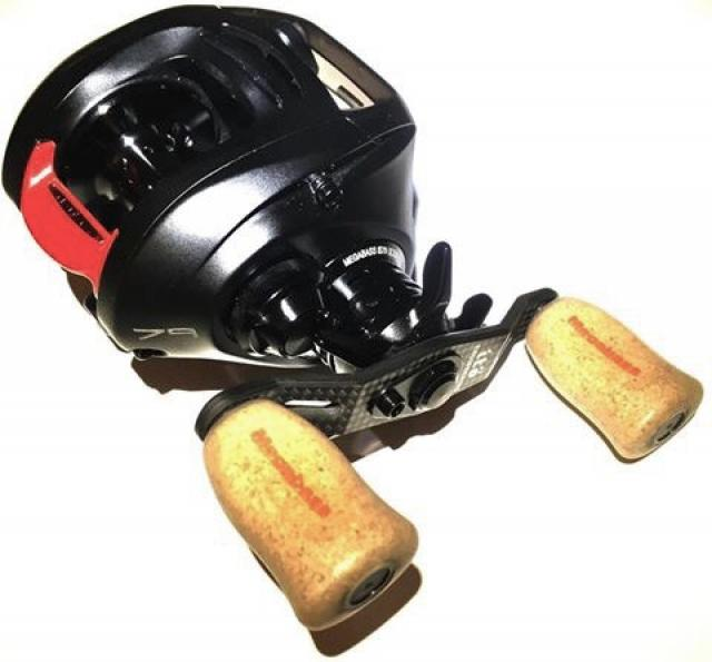 MEGABASS IS79 ULTIMATE COMPETITION RED CLUTCH EDITION REEL