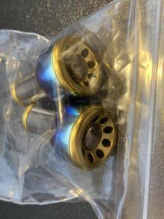 Used livre FF knobs ( titanium gold)