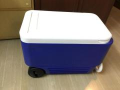 Brand New, Iqloo wheeled cooler, 38Quart, made in USA