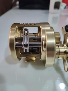 SHIMANO CALCUTTA CONQUEST 201 (LEFT HANDLE)