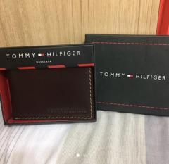 Tommy Hilfiger passcase Authentic wallet