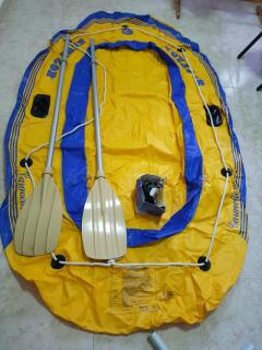 2 person inflatable boat + pfd + accesories