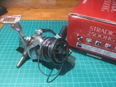 Shimano Stradic 2500HG (BNIB) + reel stand ( balancer )